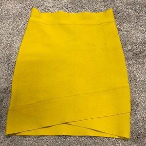 Bcbgmaxazria Skirt Size Small